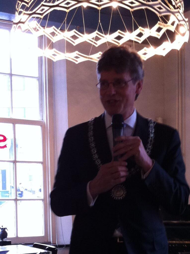 Lucas_Bolsius_Burgemeester_van_Amersfoort_noemt_Vicus_als_prijswinnaar_IMG_0810_cut