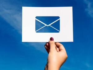 E-mail maker